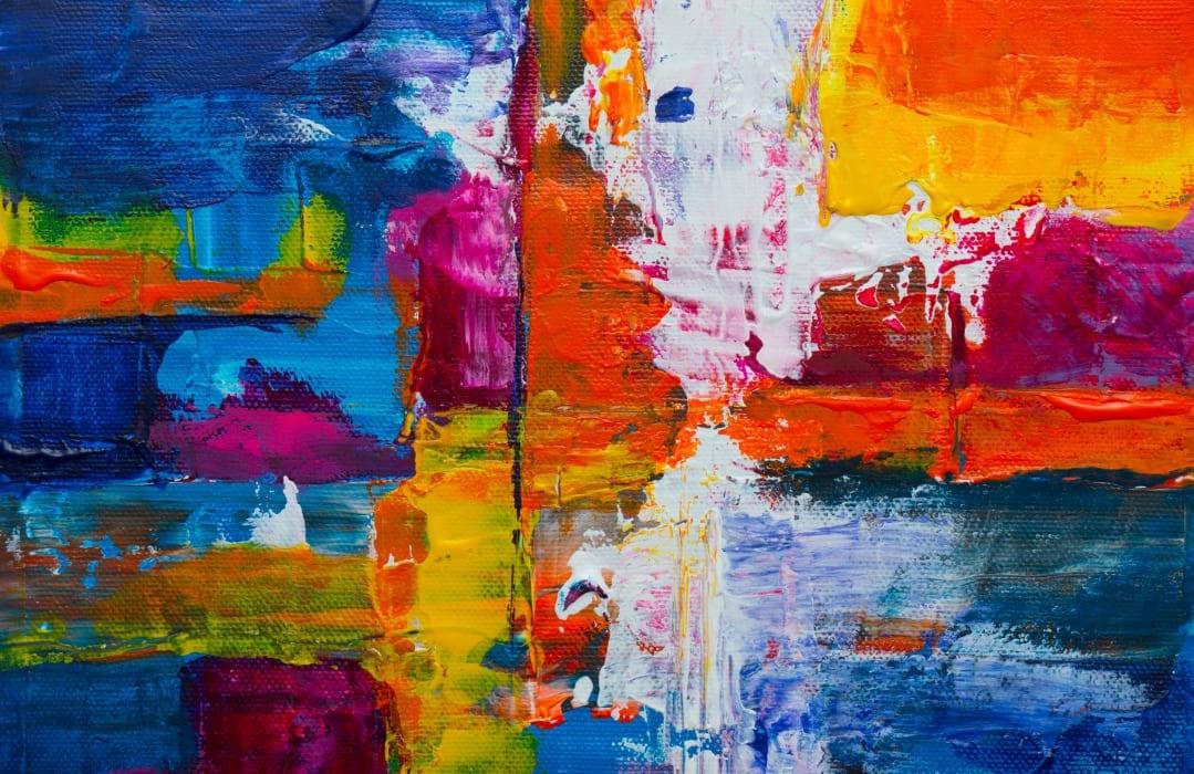 photo d'un tableau abstrait contemporain de couleur jaune, rouge, bleu et noir